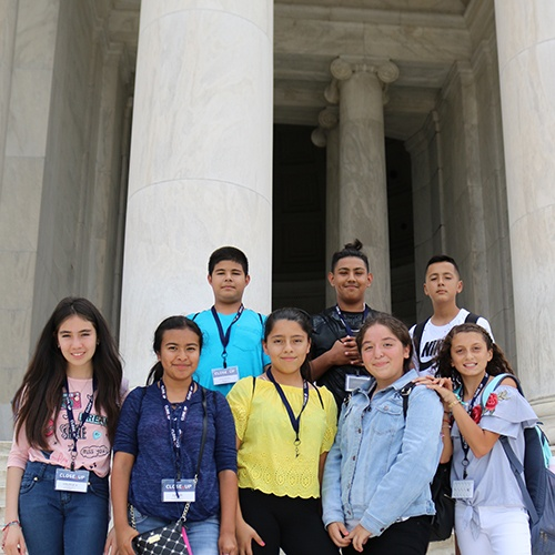 Students at Jefferson Memorial
